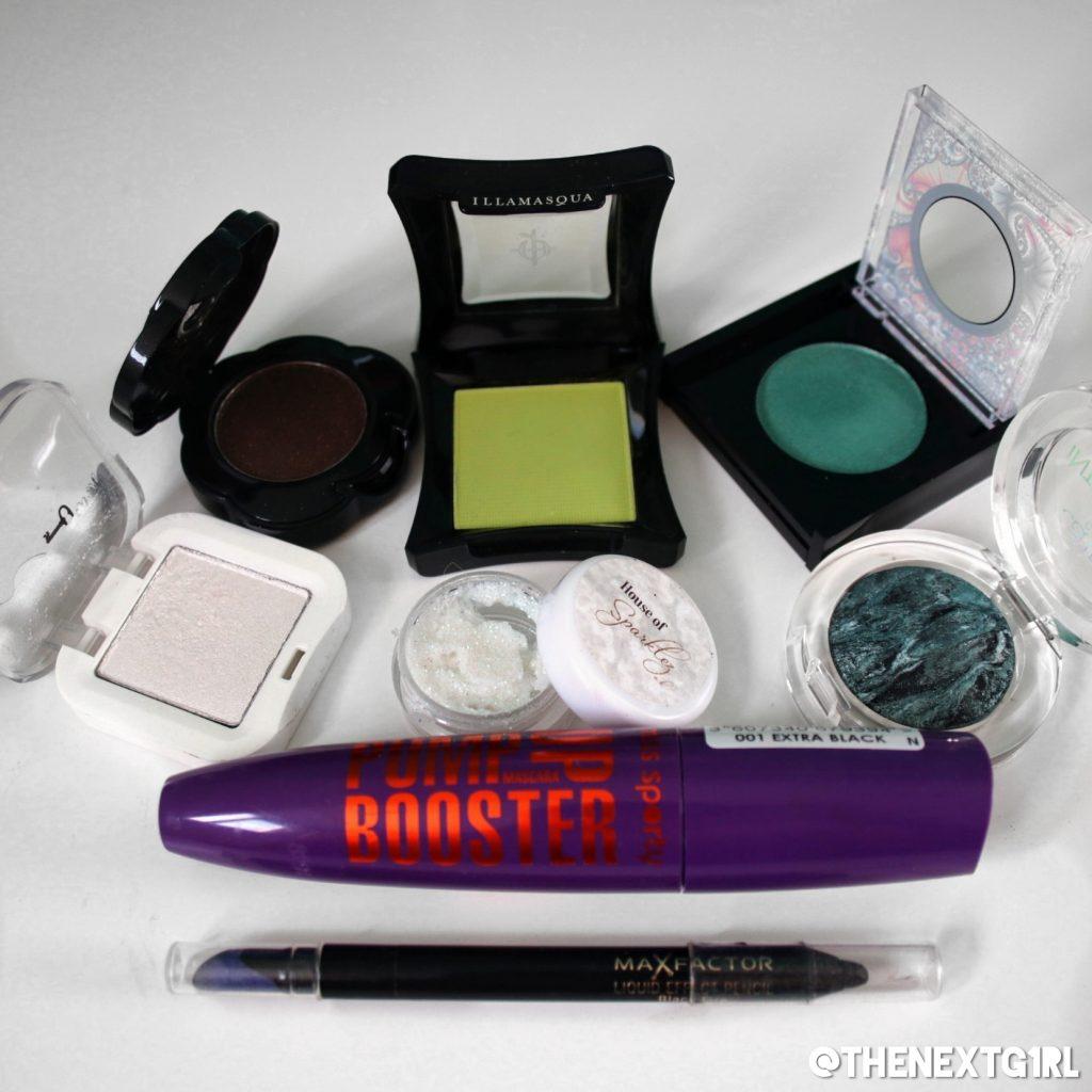 Gebruikte producten voor groene ooglook gemaakt met single oogschaduws
