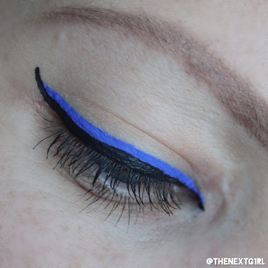 Ooglook met NYX Vivid Brights eyeliner in Sapphire