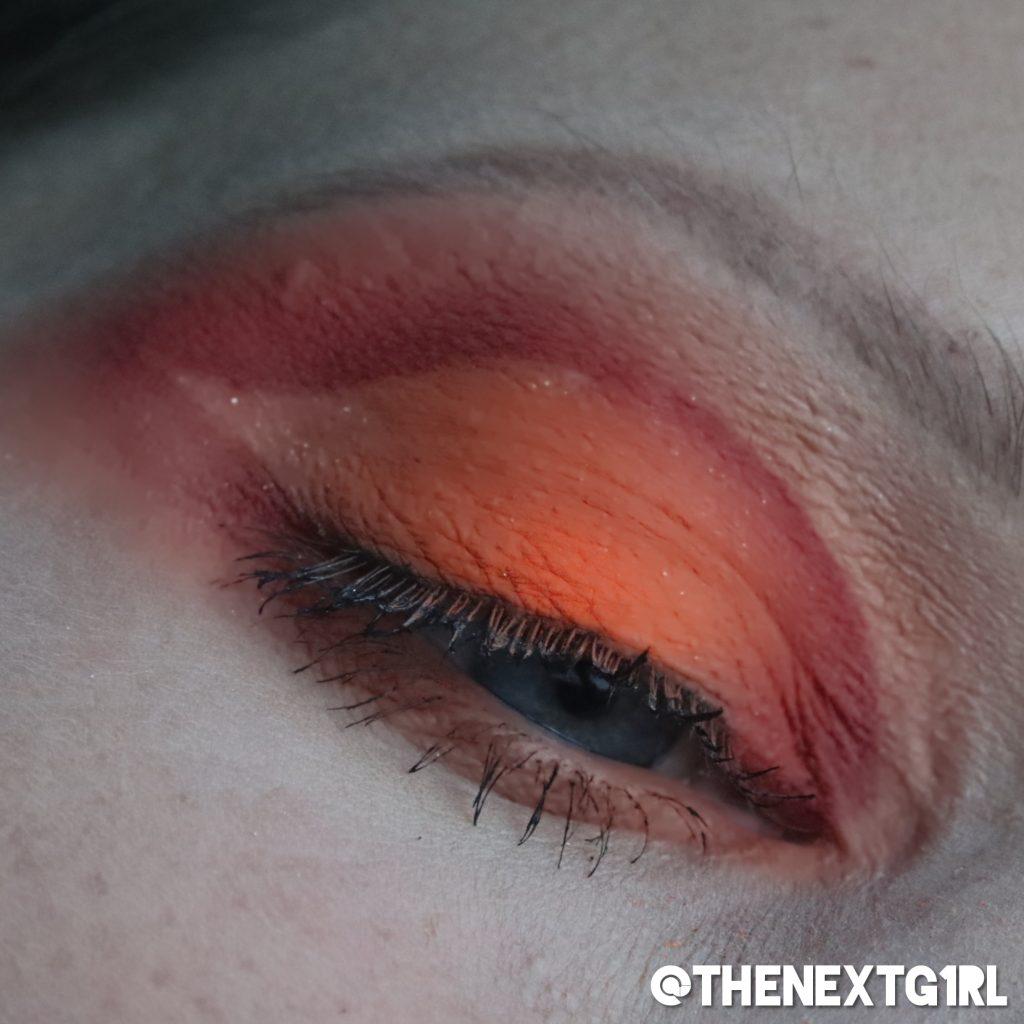 oranje ooglook met neon