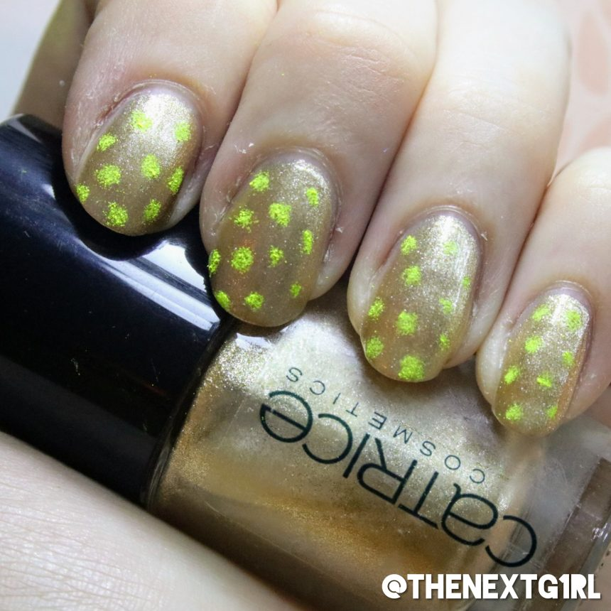 Simpele nailart neon gele stippen