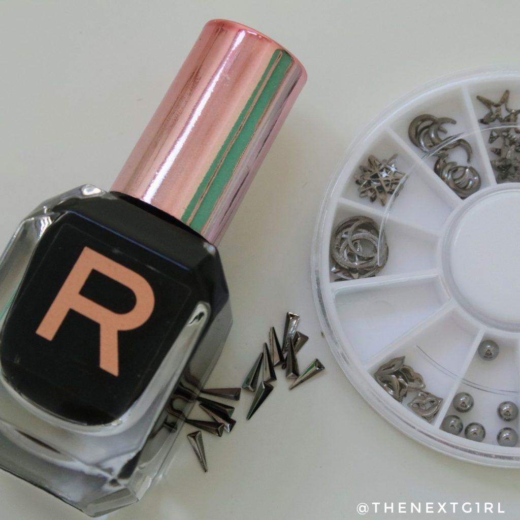 Makeup Revolution nagellak zwart Risk nailart wheel