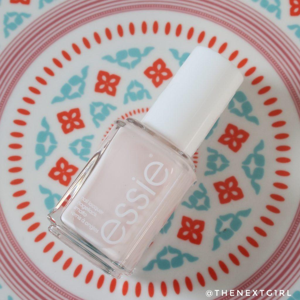Essie 6 Ballet slippers lichtroze nagellak