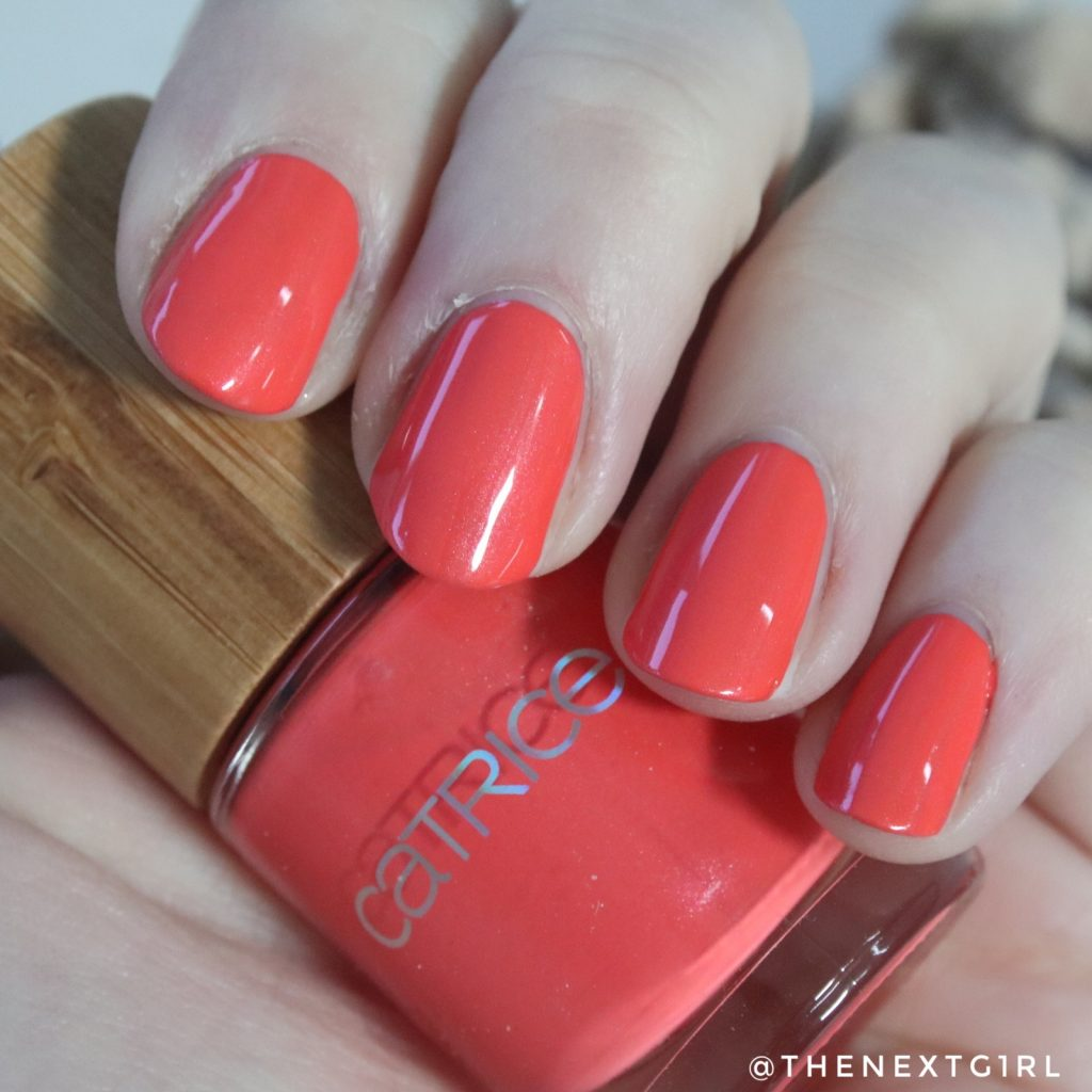 Catrice limited edition Coral Crush nagellak swatch
