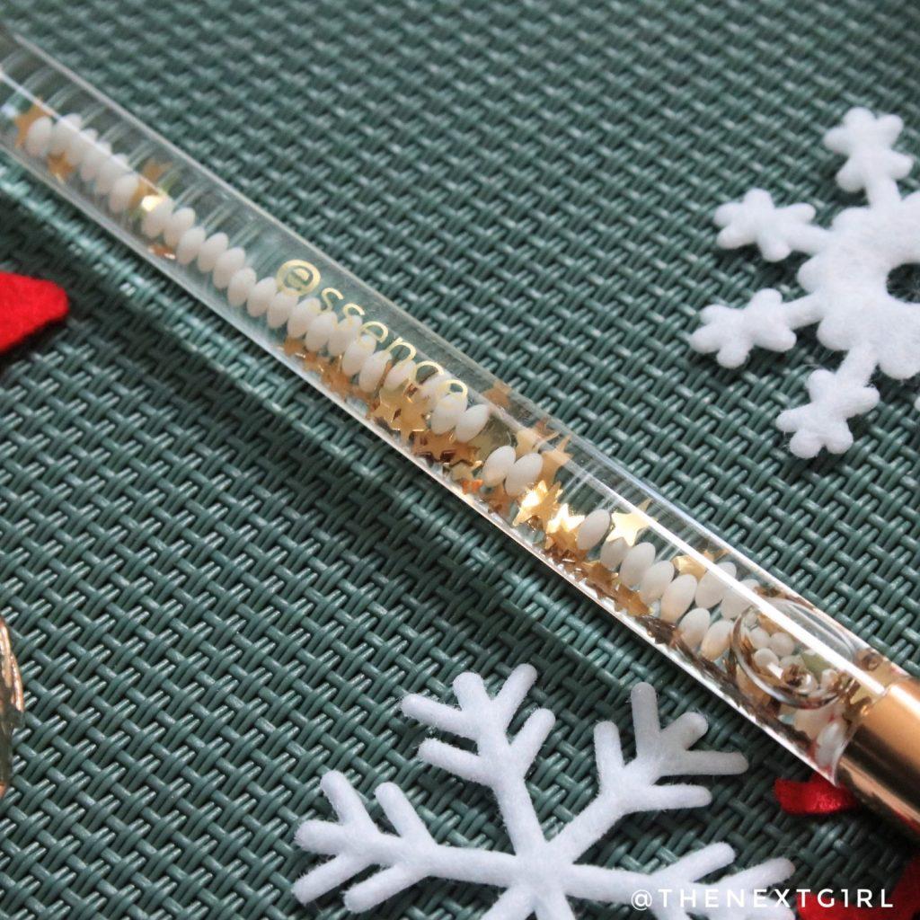 Essence From Santa With Love oogschaduwkwast