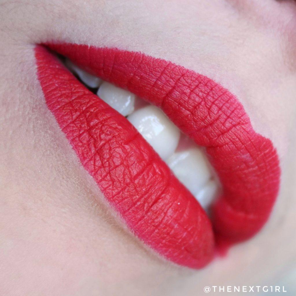 Max&More lipliner Scarlett Red lipswatch