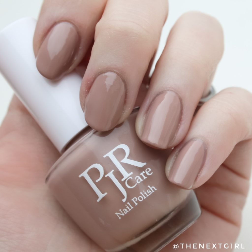 PJR Care nagellak Filled with light swatch