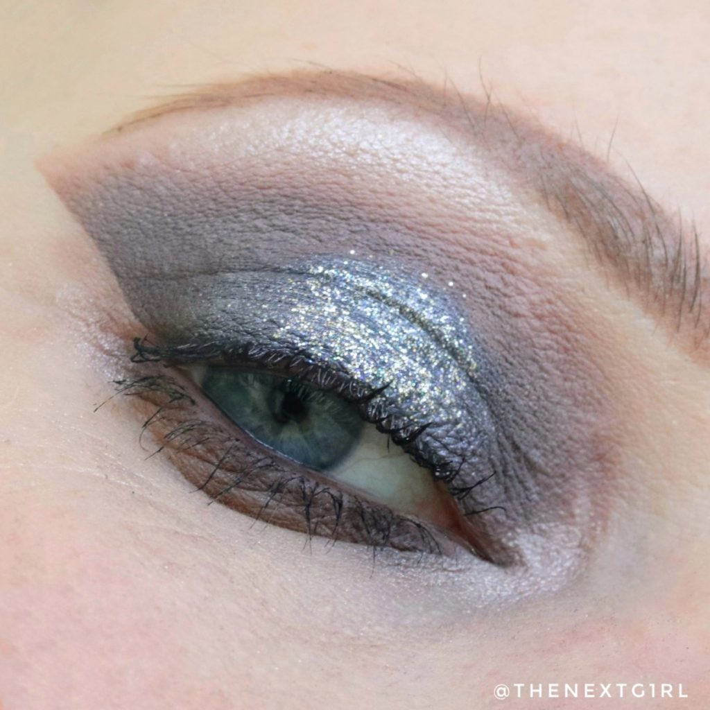 Ooglook met Lottie London glitter eye foil Denied