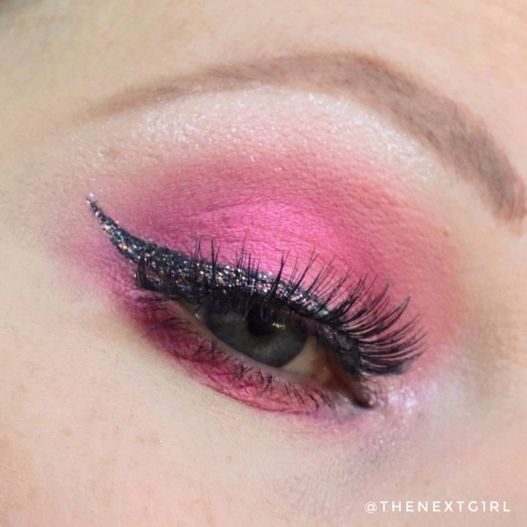 Essence Bloom baby bloom roze glitters ooglook