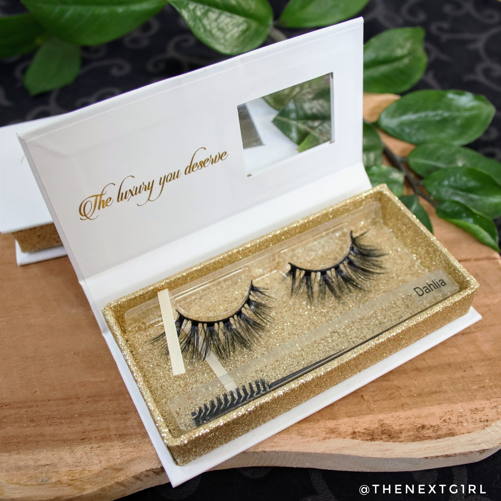 Review: Nepwimpers van Lashes by Linnie