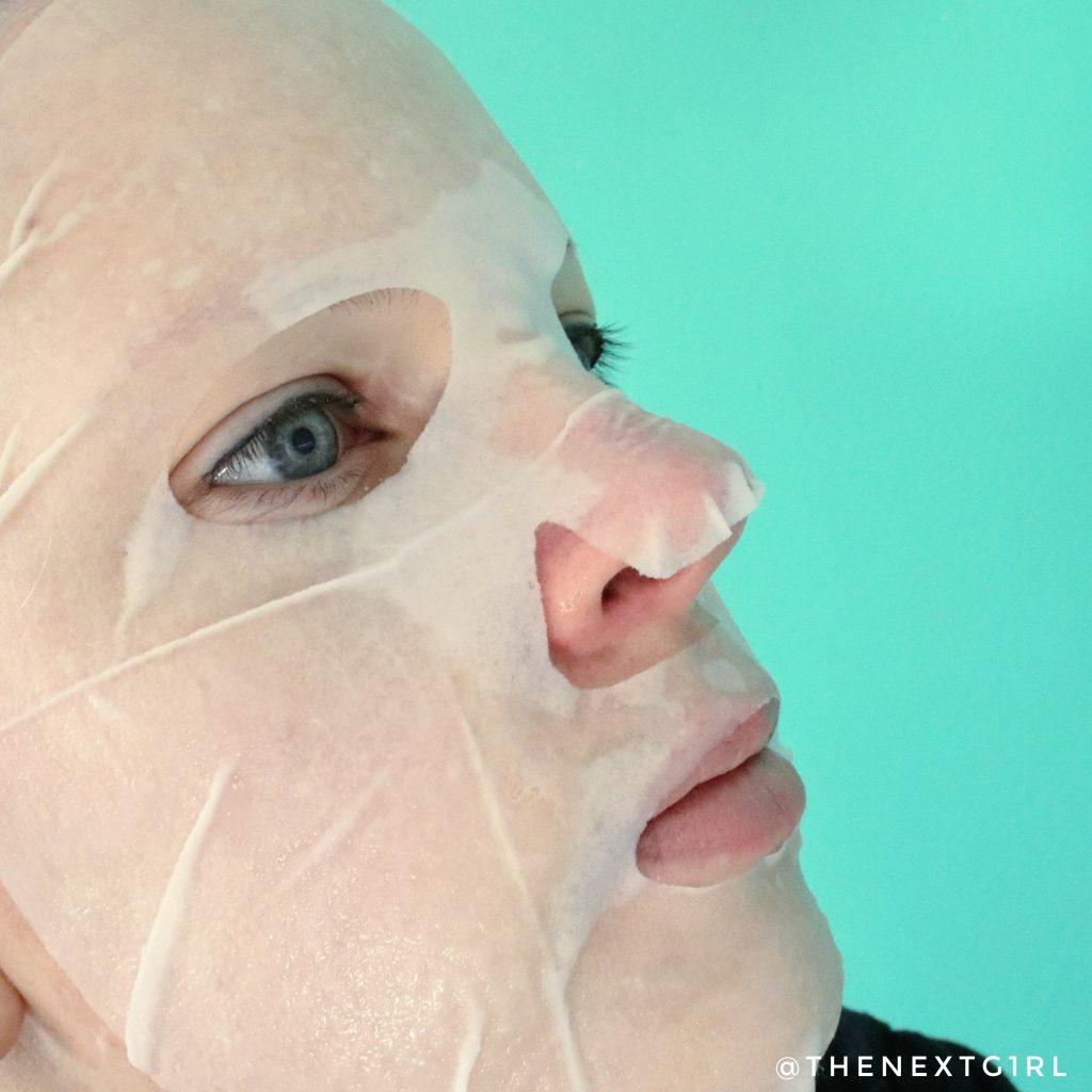 Missha Ginseng sheetmasker pasvorm op gezicht