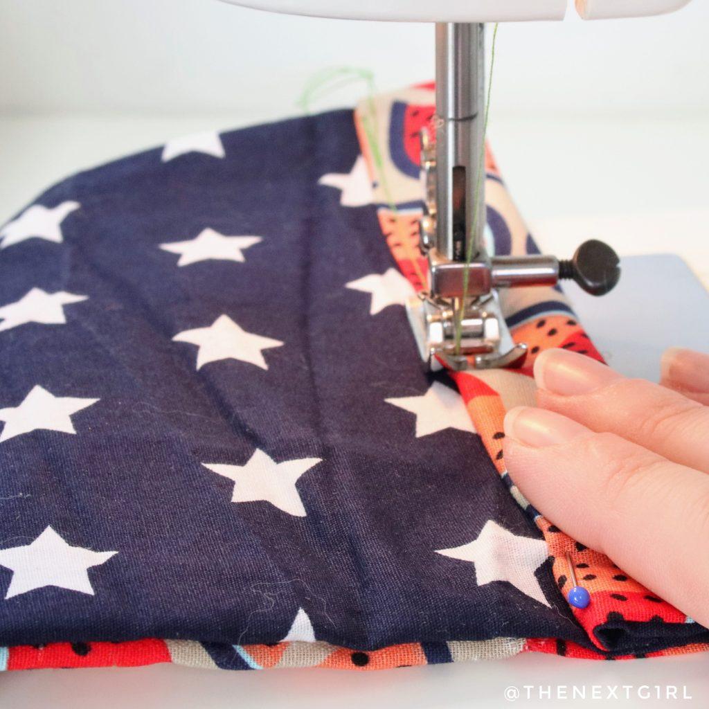 Zijkanten zelf mondkapje naaien