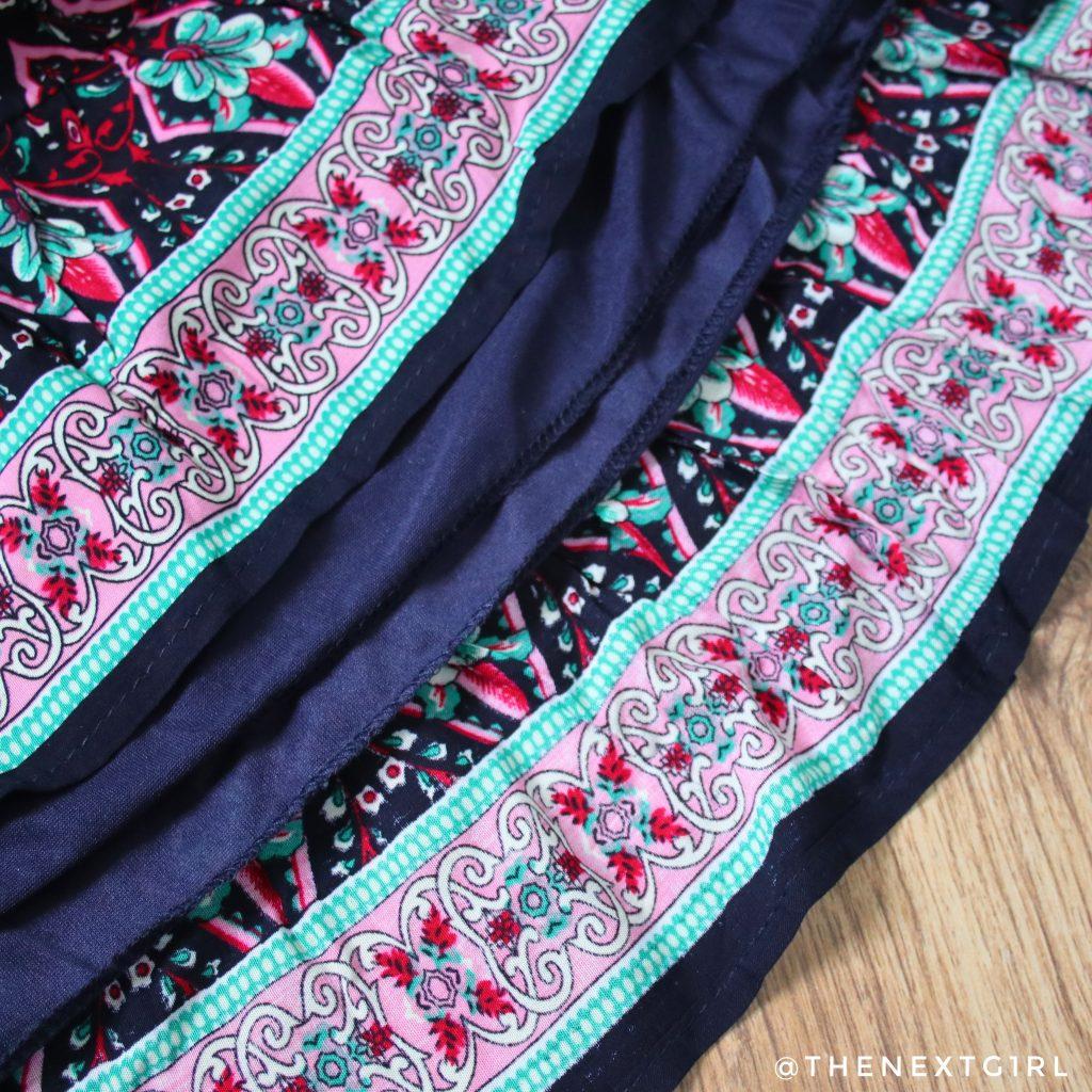 Details kleurig zomerjurkje naden