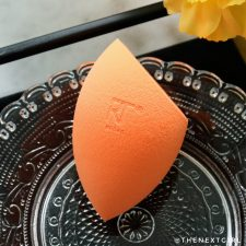 RT Real Techniques Miracle Complexion Sponge