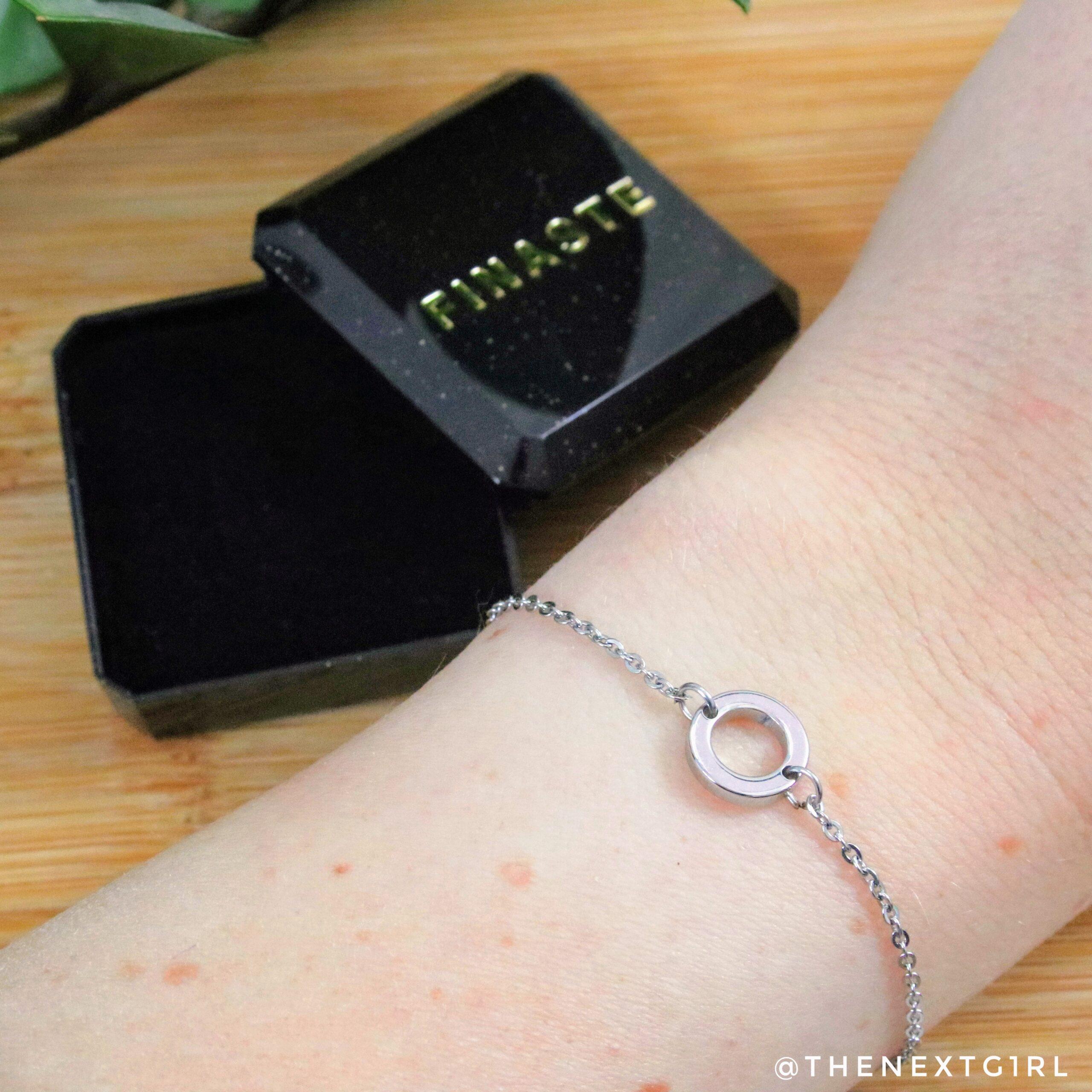 Finaste zilveren armbandje met cirkel