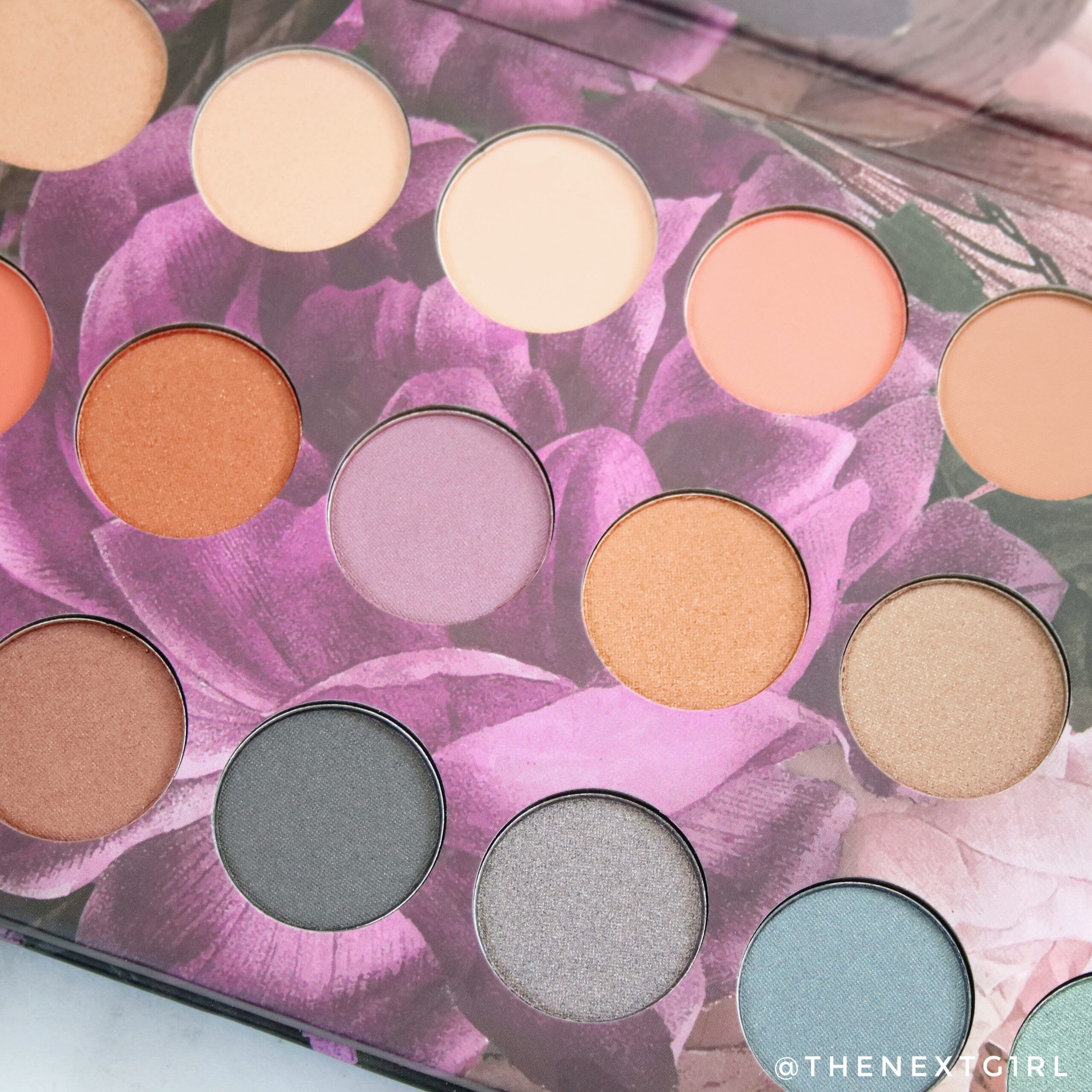 Kleuren in Max & More oogschaduwpalette Bloom Close-up 3
