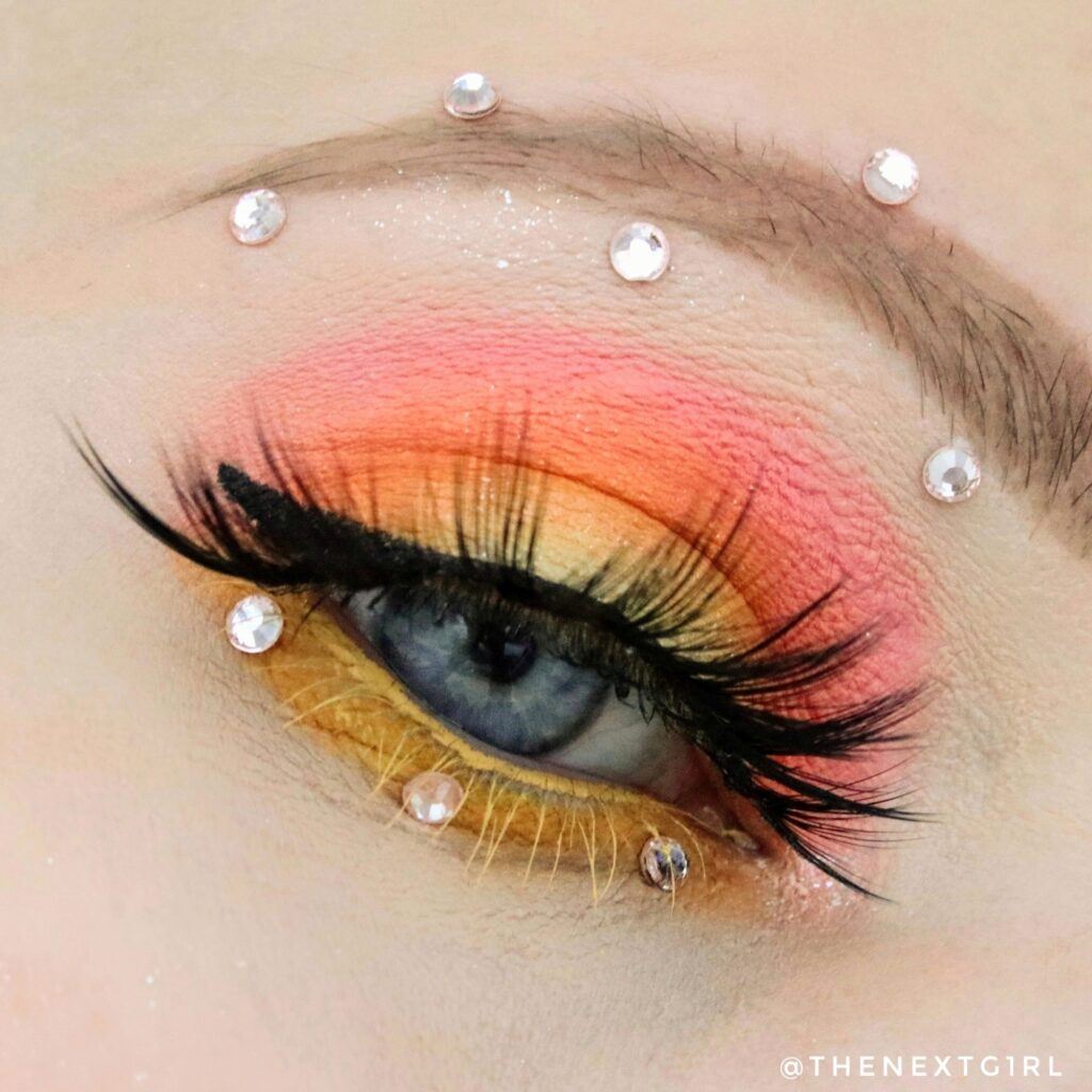 Ooglook vrolijke kant Nikkie x Beauty Bay palette
