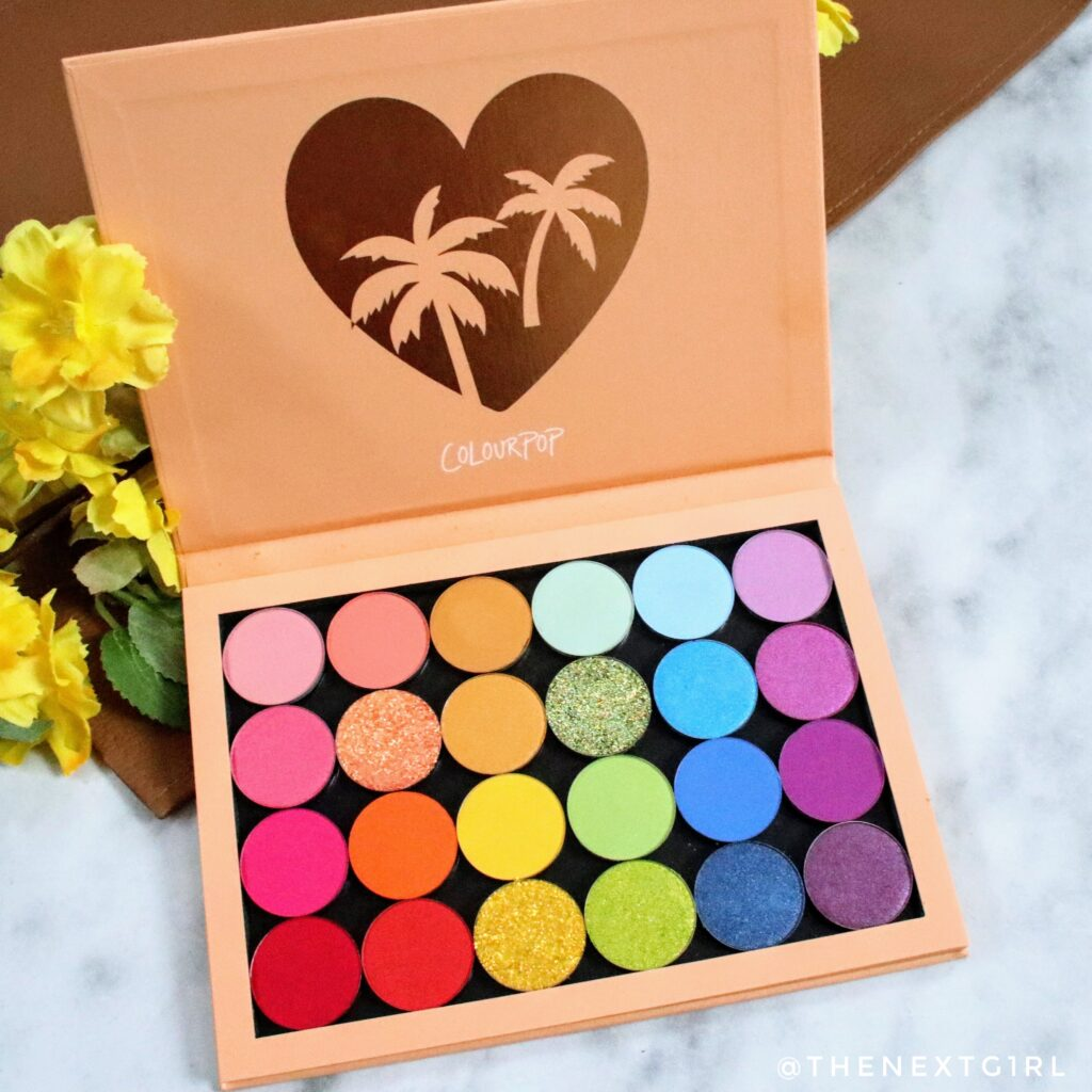 Binnenkant van Colourpop She's a Rainbow palette