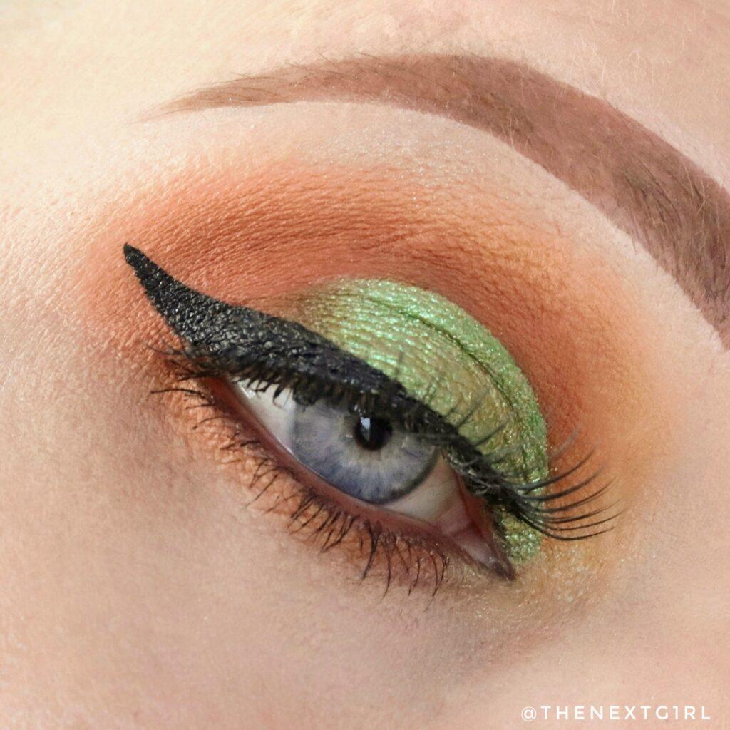 Bruin met groene look met het Totemic palette