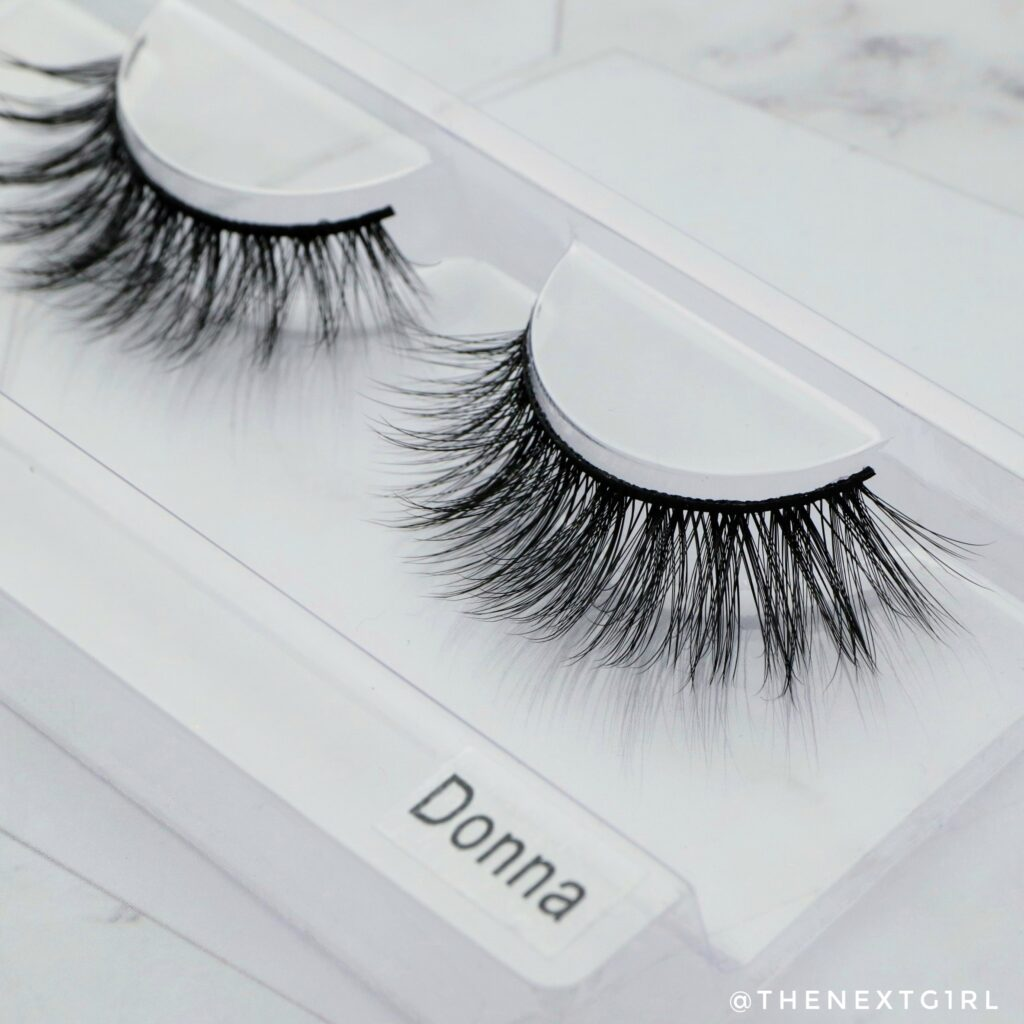 Close-up nepwimpers Lashes by Linnie Donna