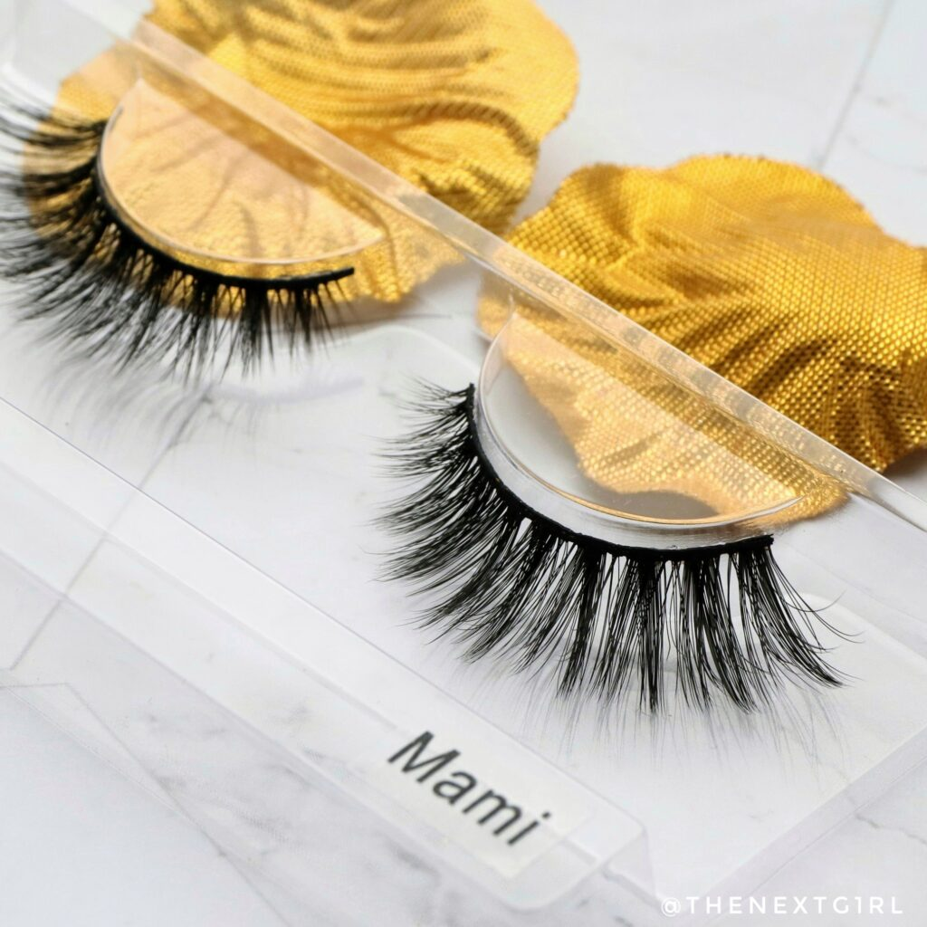 Close-up nepwimpers Lashes by Linnie Mami