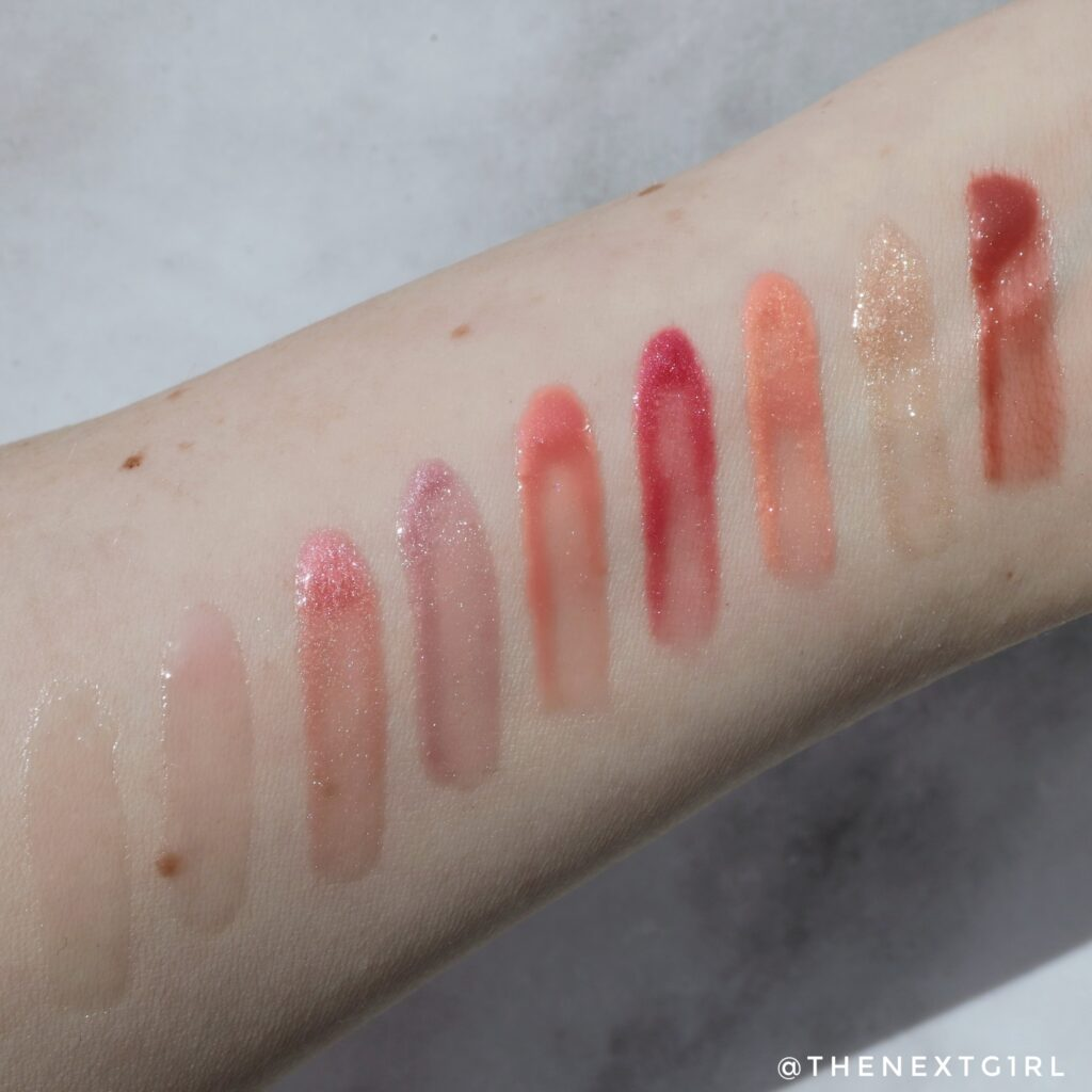Swatches Essence Extreme Shine Volume lipglosses in zonlicht