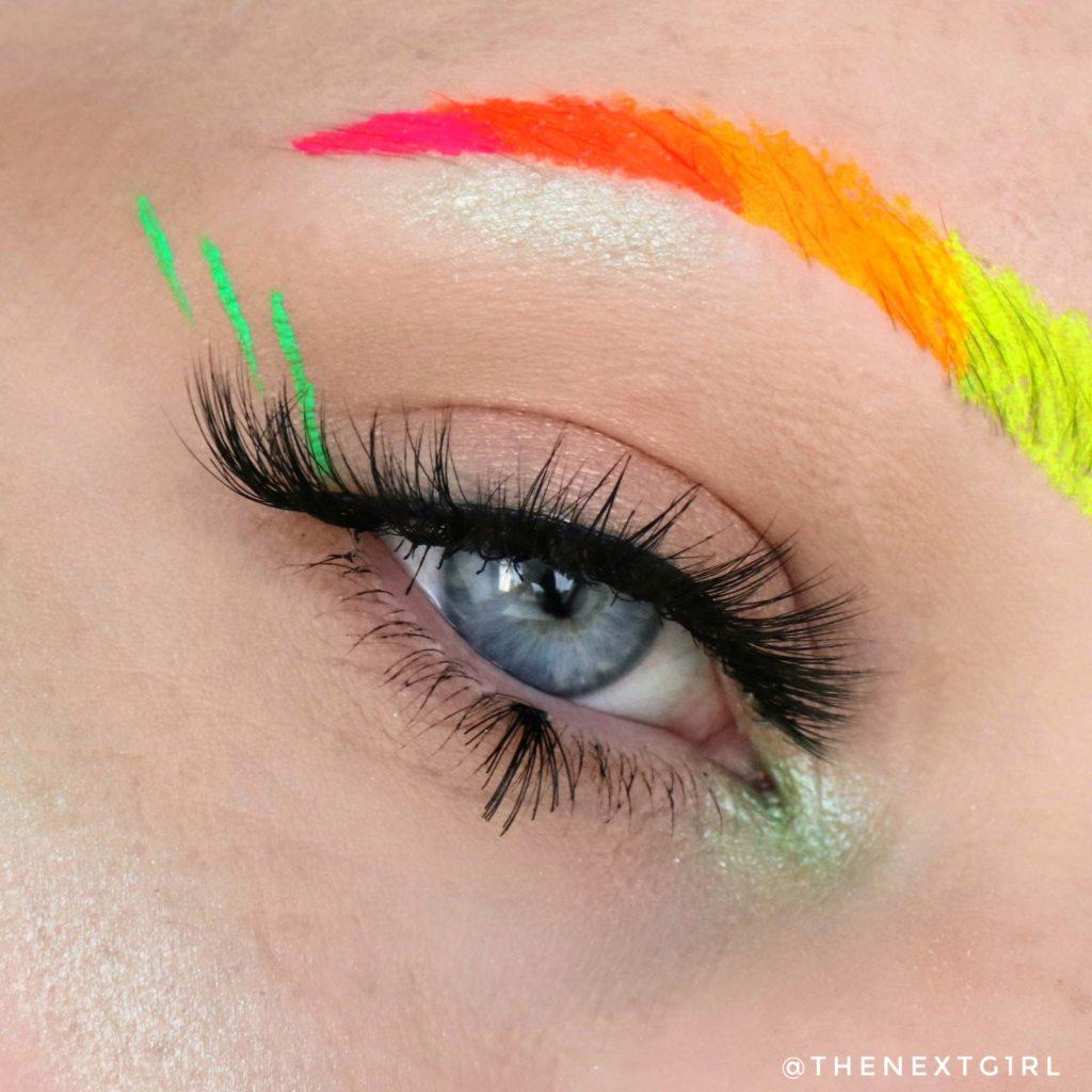 NEON ooglook met groene SHEGLAM highlighter