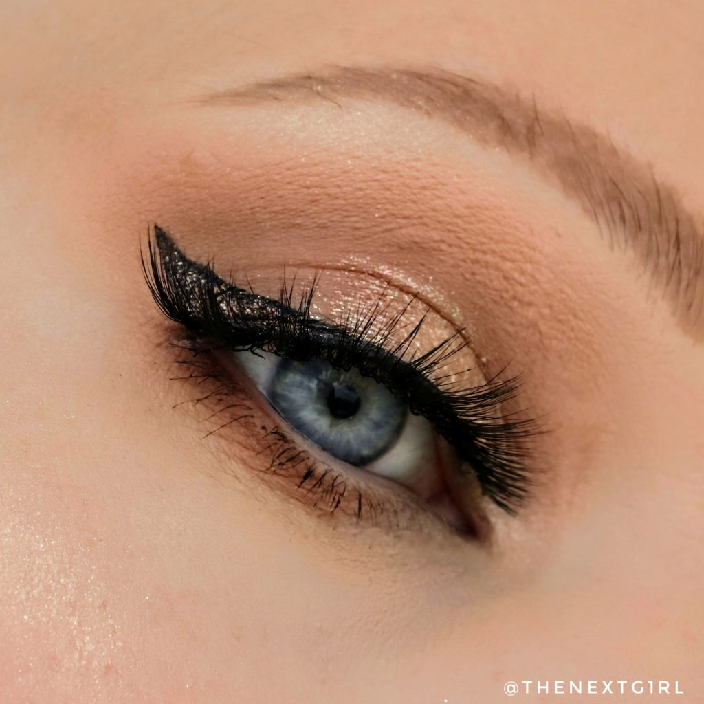 Neutrale ooglook met Clio Into Lace palette