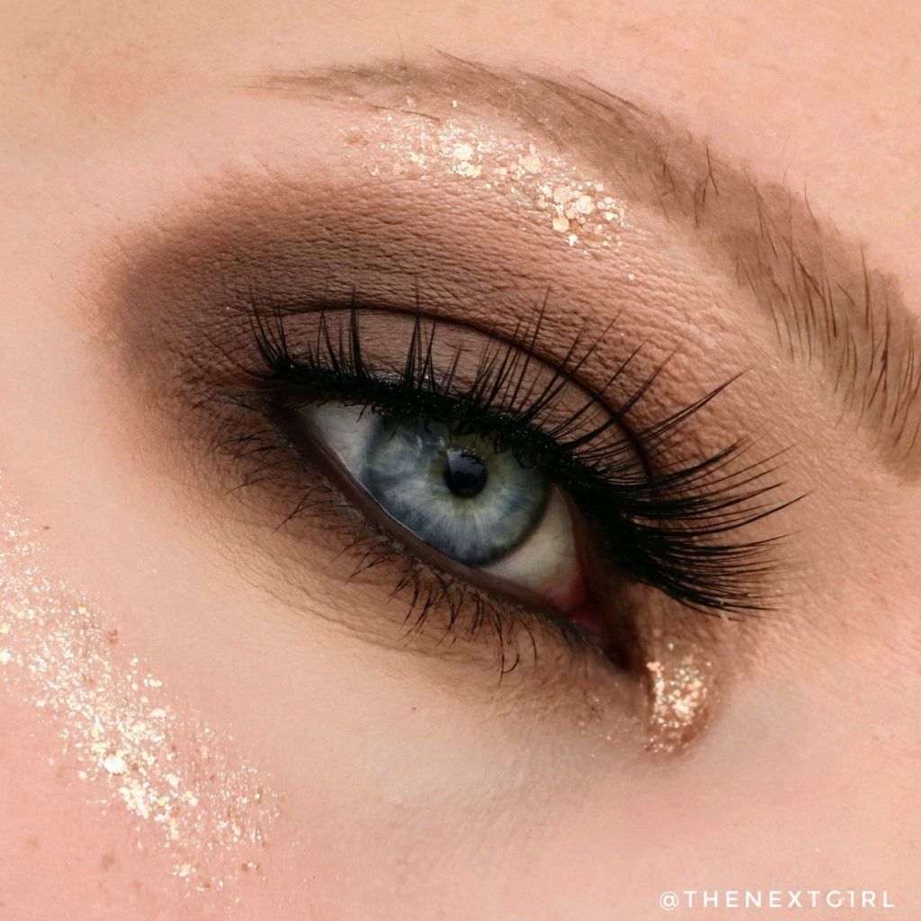 Smokey eye ooglook met Clio Into Lace palette